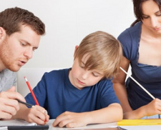 Kiat Komunikasi Keluarga Lebih Efektif Baik di Lingkungan Kerja Maupun Keluarga