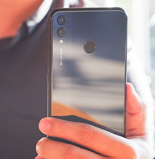 Smartphone mid-range Honor 8X