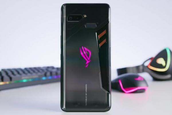 Review dan Spesifikasi Asus ROG Phone yang Dirilis di Indonesia